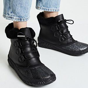 Sorel Out N About Plus Lux Waterproof Boots Black